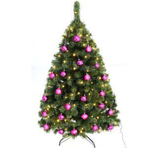 Juletræ med lilla kugler
