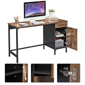 Skrivebord vintage (130 x 75 x 55 cm). Skrivebord i et vintage look. Men skuffesektion og skabssektion.